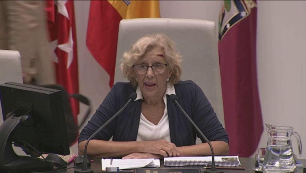 """Manuela Carmena en el Pleno del Estado: """"Gracias a cada uno de vosotros por la consideración y el cariño. Me habéis emocionado""""."""