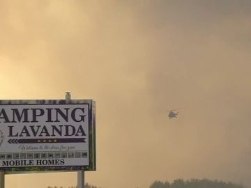 Desalojan a turistas y residentes por un incendio en Croacia