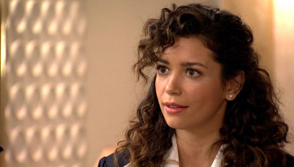 Amelia se enfrenta a Natalia por sospechar de sus intenciones