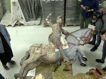 Así 'salvan' los expertos la talla de San Jorge de Navarra tras la polémica restauración de unos aficionados