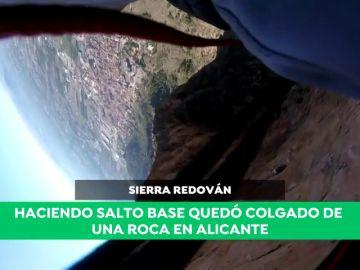 """El espectacular rescate a un saltador base en Alicante tras quedar colgado de una roca: """"El paracaídas se abrió en la dirección contraria"""""""