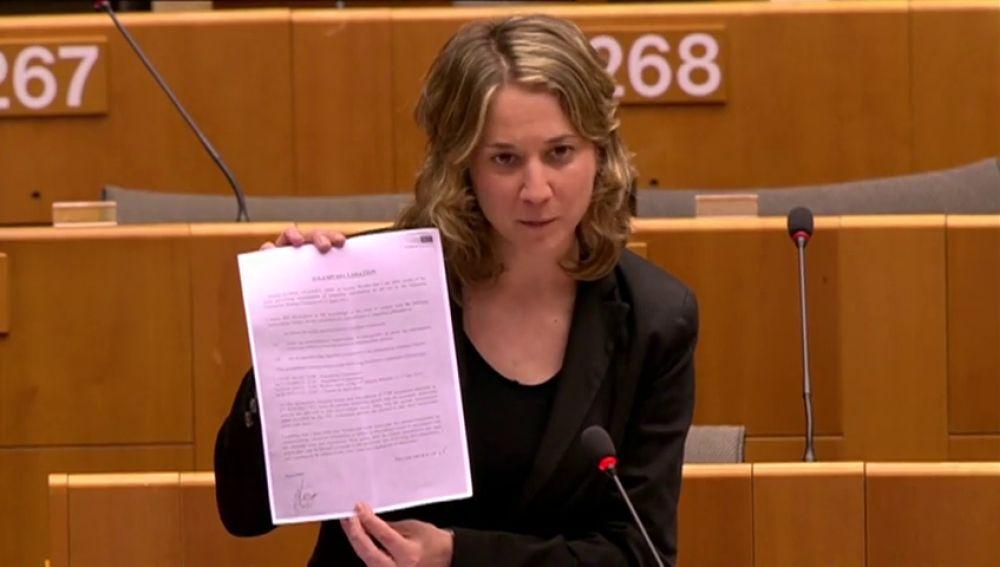 Dimite por falta de apoyo a sus denuncias de acoso la eurodiputada portavoz de Izquierda Unida