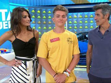 A un concursante de 'La ruleta de la suerte' se le escapa que tiene dos novias