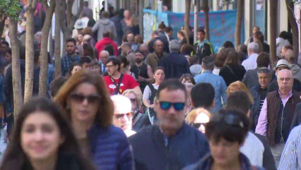 60 millones de españoles en 2050, gracias a la llegada de 8 millones de inmigrantes y la natalidad