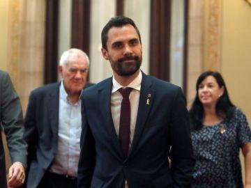 Noticias 2 Antena 3 (04-10-18) Aplazado el Pleno en el Parlament: JxCat y ERC discrepan sobre los diputados suspendidos