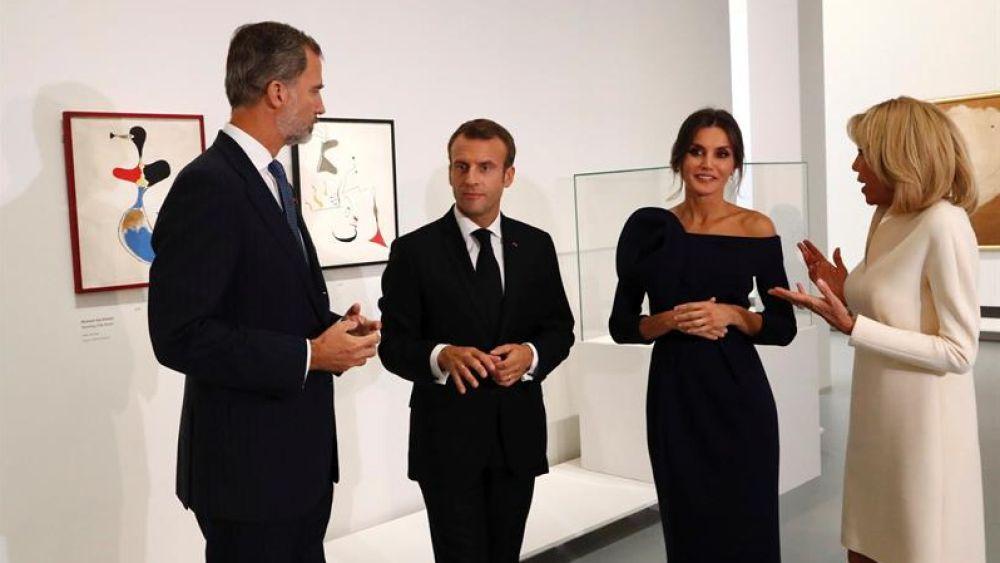 Los Reyes Visitan Junto A Macron Y Su Esposa Una Exposicion De Miro En Paris