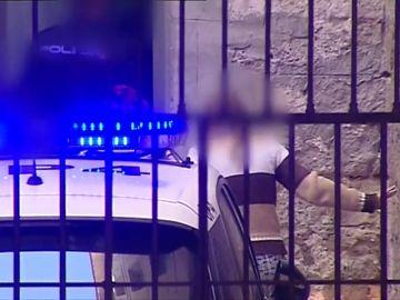 """La """"viuda negra """"de Alicante vuelve al juzgado caminando"""