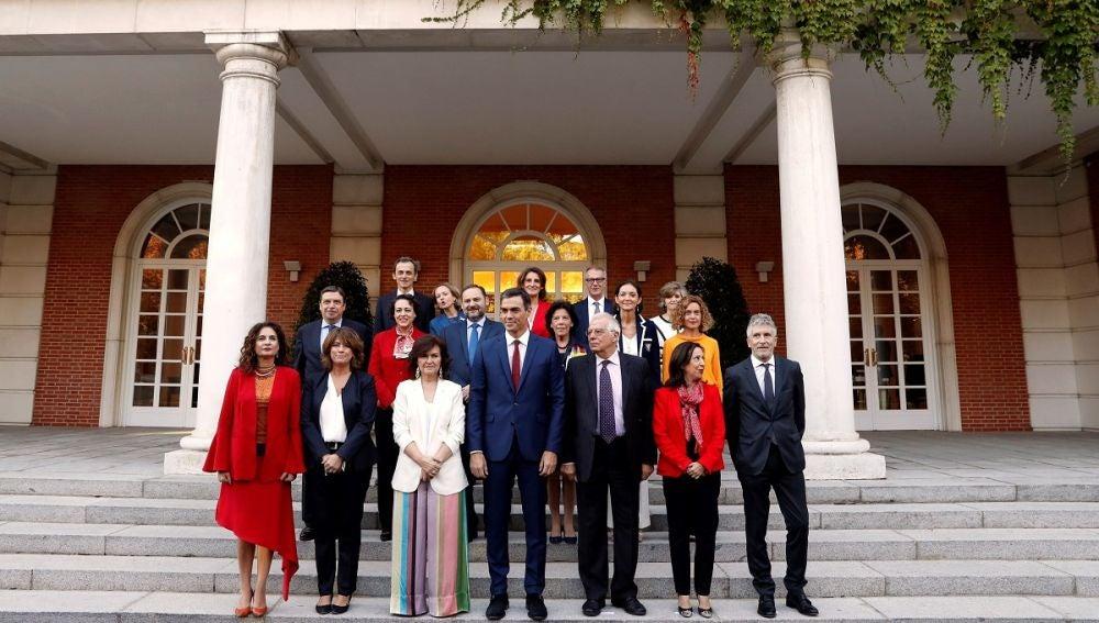 Foto de familia del gobierno de Sánchez