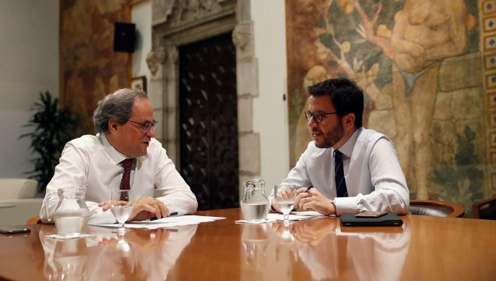 El presidente de la Generalitat, Quim Torra (JxCAT), y su vicepresidente, Pere Aragonès (ERC),