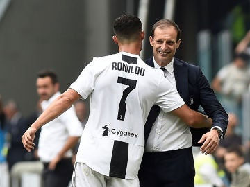Allegri y Cristiano, en un partido de la Juventus
