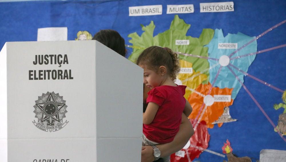 Votación en las elecciones de Brasil