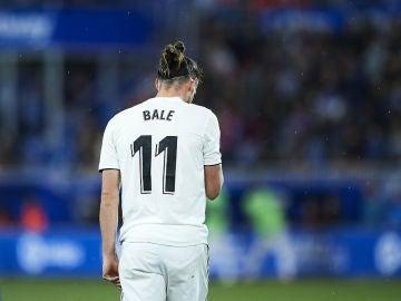 Bale, cabizbajo