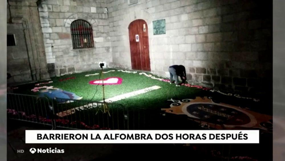 Los servicios de limpieza 'arrasan' con la alfombra floral para una Virgen horas antes de que saliera en procesión en A Coruña