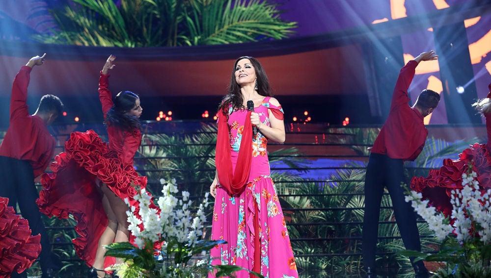 Soraya Arnelas nos conquista con 'Veneno' igual que Isabel Pantoja
