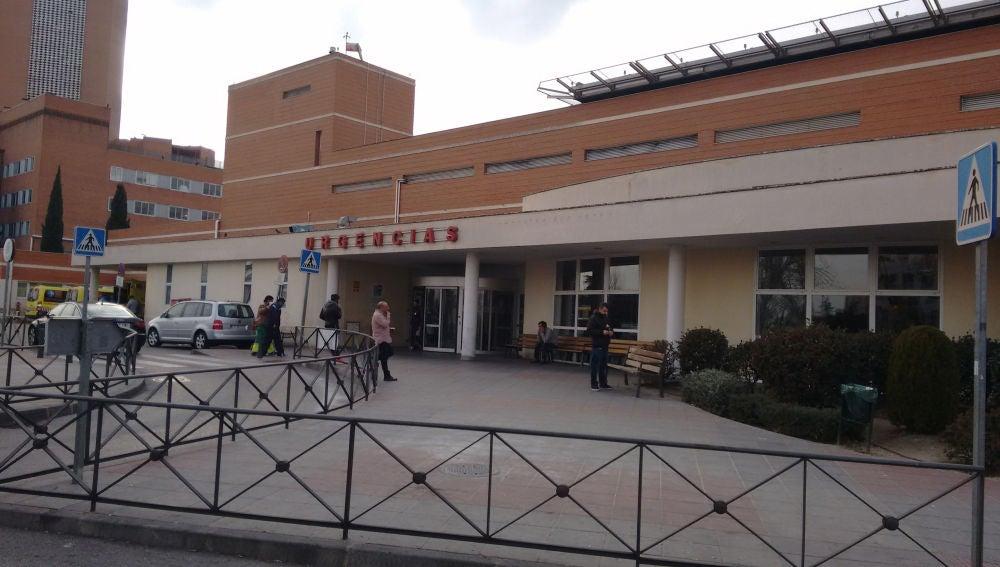 Zona exterior de urgencias del Hospital madrileño 12 de Octubre
