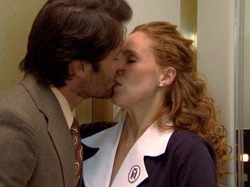 Gabriel rompe con sus miedos y se lanza a besar a Natalia proponiéndole una nueva cita