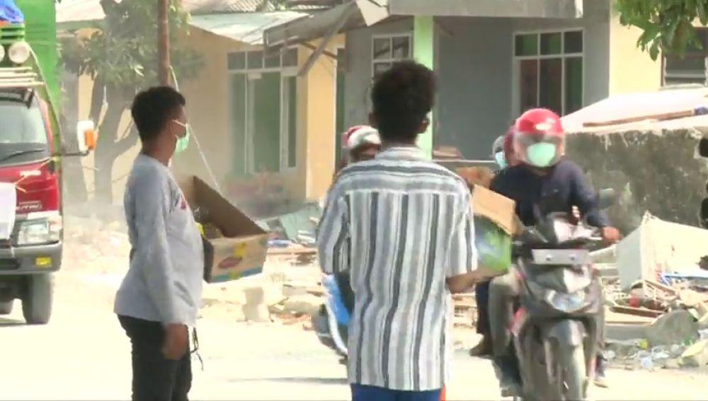 Aumento el número de muertos por el seísmo y tsunami en Indonesia