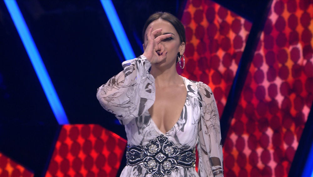 Chenoa recibe varios zascas improvisados en 'Tu cara me suena'