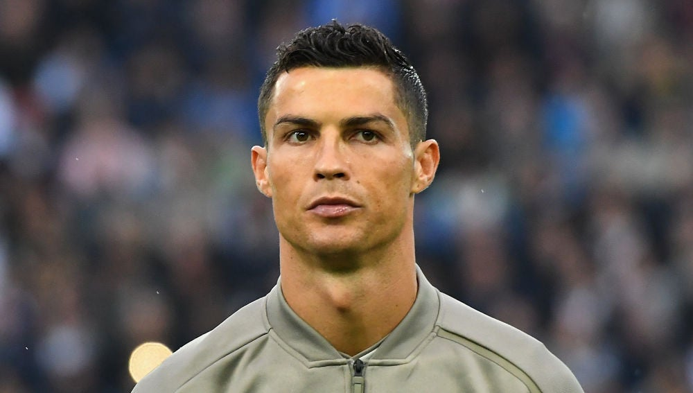 Cristiano Ronaldo, pensativo antes de un partido con la Juve
