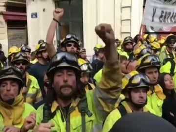 Puig, recibido entre abucheos a su llegada al Palau de la Generalitat