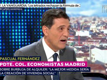 """Pascual Fernández, presidente del Colegio de Economistas: """"Si se fuerza la subida de salarios habrá menos contrataciones"""""""