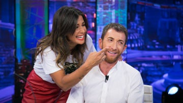 Nuria Roca desvela en 'El Hormiguero 3.0' que Pablo Motos no se tiñe, pero sí se pinta la barba