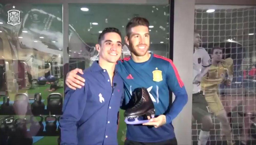 Javier Fernández visita a la selección española en la Ciudad Deportiva de Las Rozas