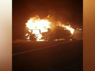 Dos muertos en un choque frontal entre dos vehículos en Lugo