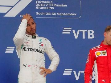 Hamilton y Vettel, en el podio del GP de Rusia