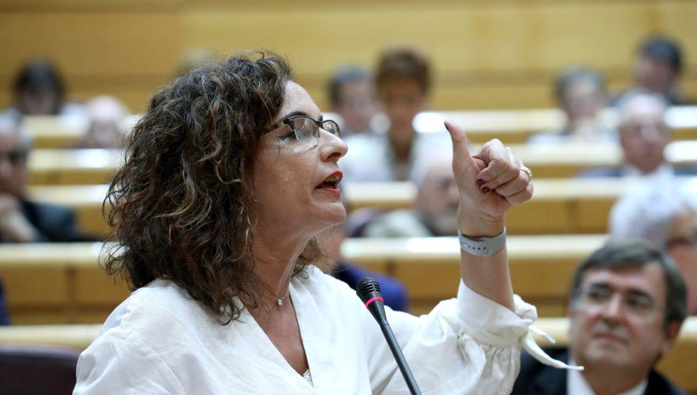 La ministra de Hacienda, María Jesús Montero, durante su intervención en la sesión de control al Gobierno en el Pleno del Senado