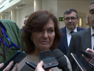 """Carmen Calvo acusa al Senado de """"romper las reglas del juego"""" al convocar a Sánchez para hable sobre su tesis"""