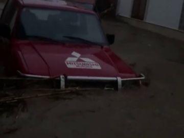 """""""Estamos encerrados"""", la angustia de unos vecinos atrapados en su vivienda por las inundaciones en Mallorca"""
