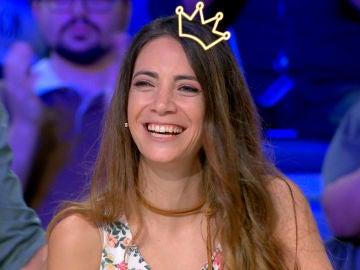 Jorge Fernández corona como reina a una de las concursantes de 'La ruleta de la suerte'