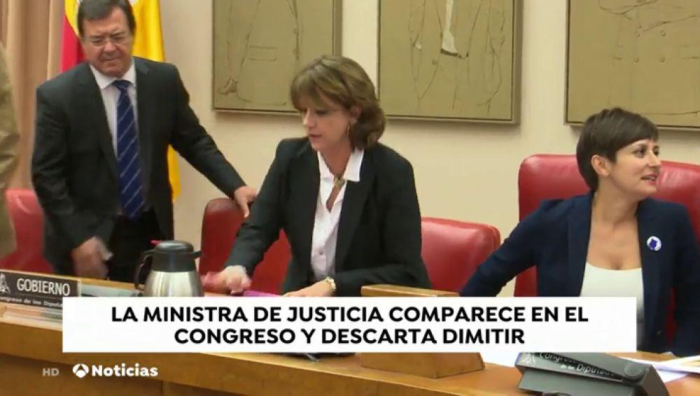 La ministra Delgado se defiende ante los gritos de dimisión