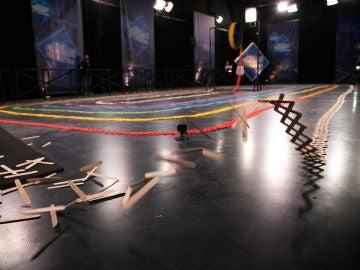 Espectáculo final en 'El Hormiguero 3.0' con un efecto mariposa de 300 metros compuesto por 15.000 palitos de helado