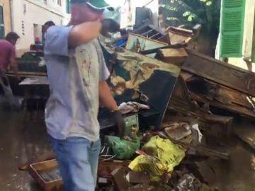 Barro y escombros, la imagen de las calles afectadas por las inundaciones en Mallorca