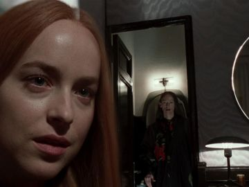 Tilda Swinton y Dakota Johnson en 'Suspiria'