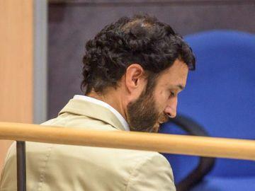 Imagen del juicio que se celebra contra el exprofesor del colegio Gaztelueta del Opus Dei