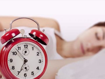 9 hábitos cotidianos que te hacen envejecer más rápido