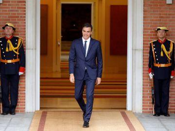 Imagen de archivo de Pedro Sánchez a las puertas de Moncloa