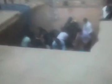 Diez personas resultan heridas tras hundirse un suelo en un acto de graduación