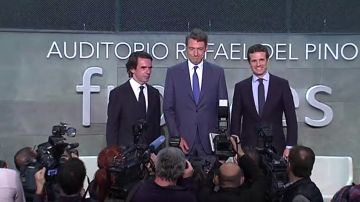 Plena coincidencia entre Aznar y Pablo Casado en que hay que refundar el partido