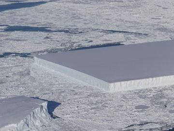 El iceberg rectangular captado por la NASA