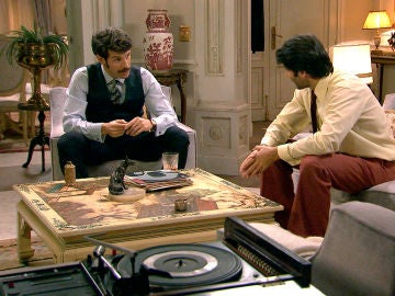 Gabriel y Carlos discuten por la visita de Manuel