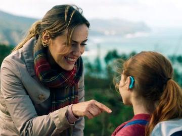 ¿Por qué Elena tiene restricciones para ver a sus hijos?