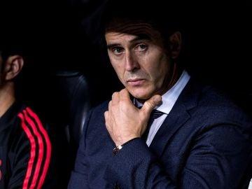 Julen Lopetegui, en el banquillo del Santiago Bernabéu