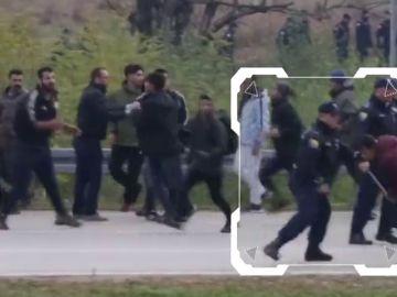 La policía de Bosnia impide el paso a Croacia a doscientos emigrantes