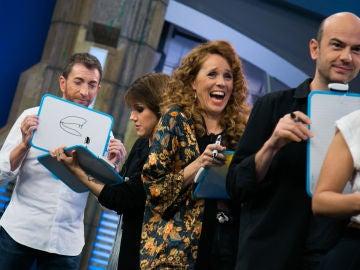 El divertido teléfono escacharrado de dibujos con María Castro y Angy Fernández en 'El Hormiguero 3.0'