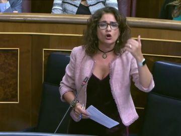 La ministra de Hacienda y Rafael Hernando intercambian apelativos andaluces en el pleno