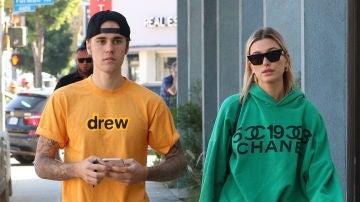 Justin Bieber y Hailey Baldwin, con cara de pocos amigos